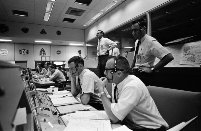 mission-control-apollo-10